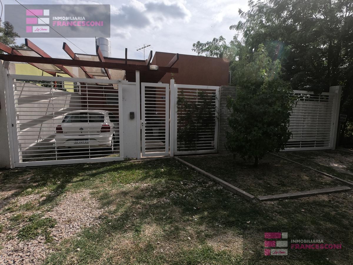 Foto Casa en Venta en  Villa Elisa,  La Plata  25 BIS 429 Y 430