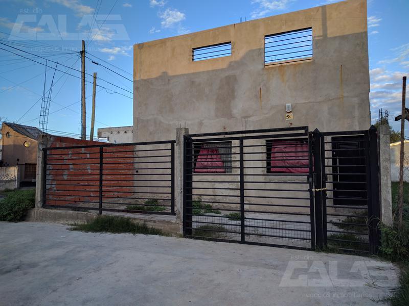 Foto Casa en Venta en  Ituzaingó ,  G.B.A. Zona Oeste  Venezuela al 2200