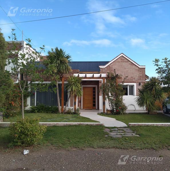 Foto Casa en Venta en  Playa Union,  Rawson  Zorrilla Sanchez al 1400