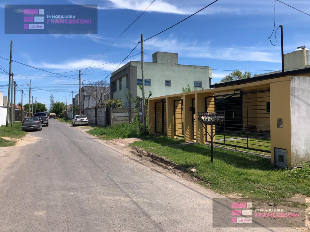 Foto Terreno en Venta en  Manuel B Gonnet,  La Plata  5 495 y 496
