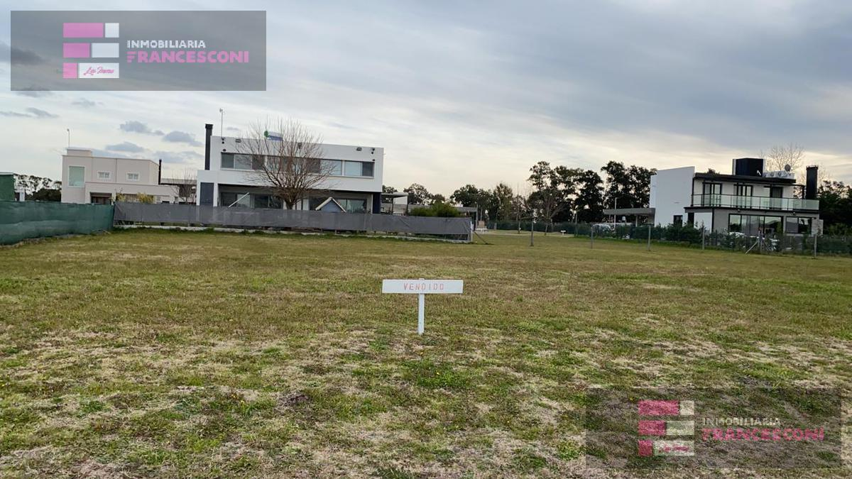 Foto Terreno en Venta en  La Plata ,  G.B.A. Zona Sur  38 y 155 Fincas de Victoria