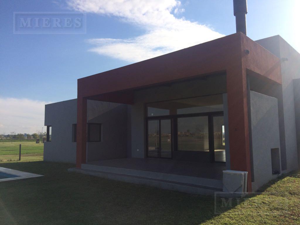 Casa  en   venta  Puertos Barrio Ceibos