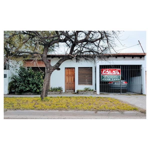 Foto Casa en Venta en  Ituzaingó ,  G.B.A. Zona Oeste  Brandsen al 900