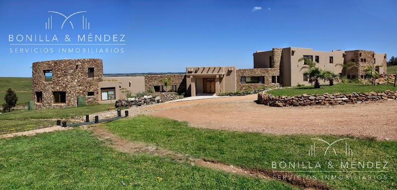 Foto Casa en Venta en  Punta del Este ,  Maldonado  Camino Eguzquiza