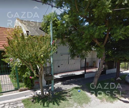 Foto Casa en Alquiler en  Almirante Brown ,  G.B.A. Zona Sur  RIZZUTO al 100