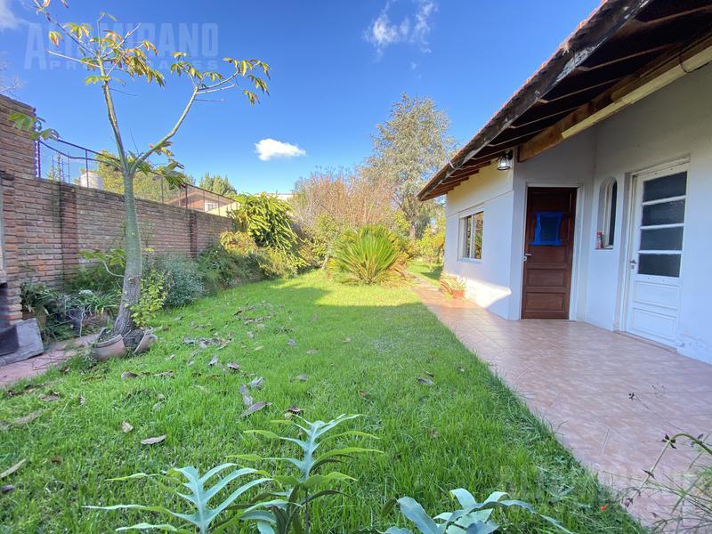 Foto Casa en Venta en  Villa Adelina,  San Isidro  El Indio al 2100 entre Guayaquil y Los Ceibos