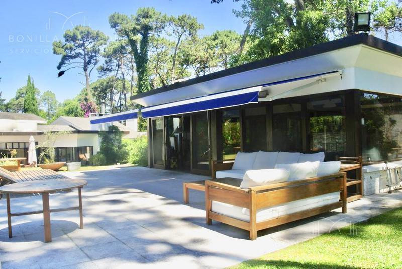 Foto Casa en Venta | Alquiler en  Lugano,  Punta del Este  Avenida del Mar