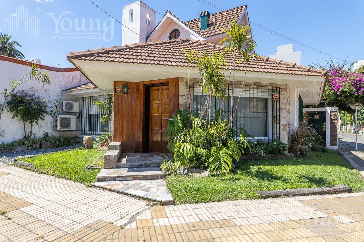 Foto Casa en Venta en  Bernal,  Quilmes  Castro Barros al al 300