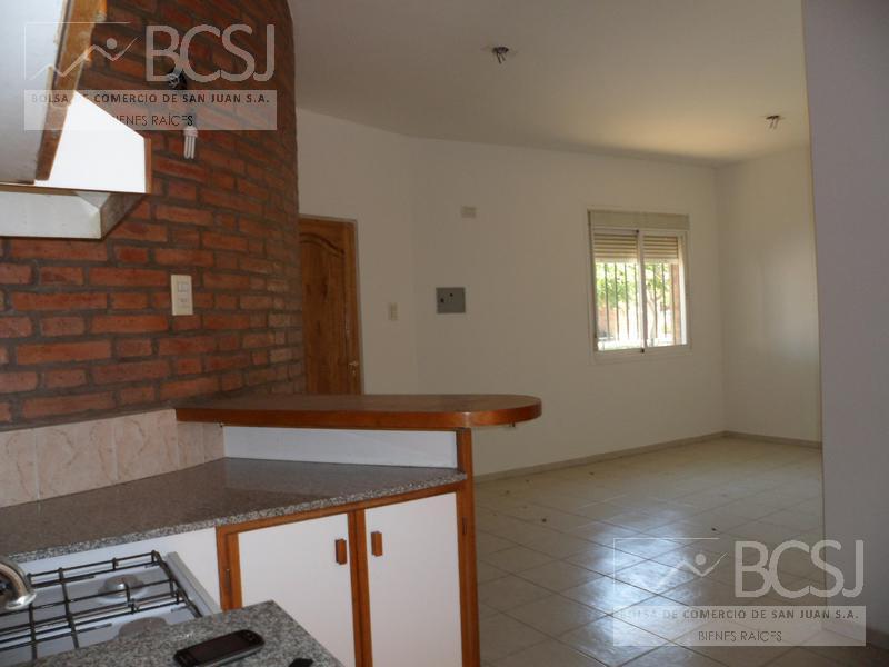 Foto Departamento en Alquiler en  Capital ,  San Juan  Rivadavia y Urquiza