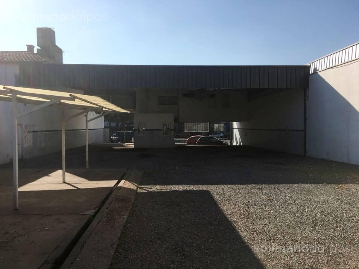 Foto Local en Alquiler | Venta en  Mart.-Vias/Santa Fe,  Martinez  Av Santa Fe al 2500