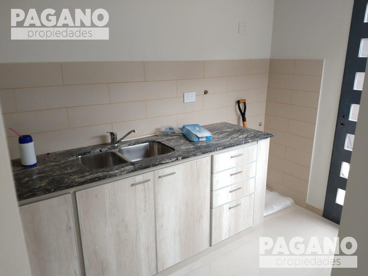 Foto PH en Venta en  La Plata ,  G.B.A. Zona Sur  132 bis e/ 484 y 485