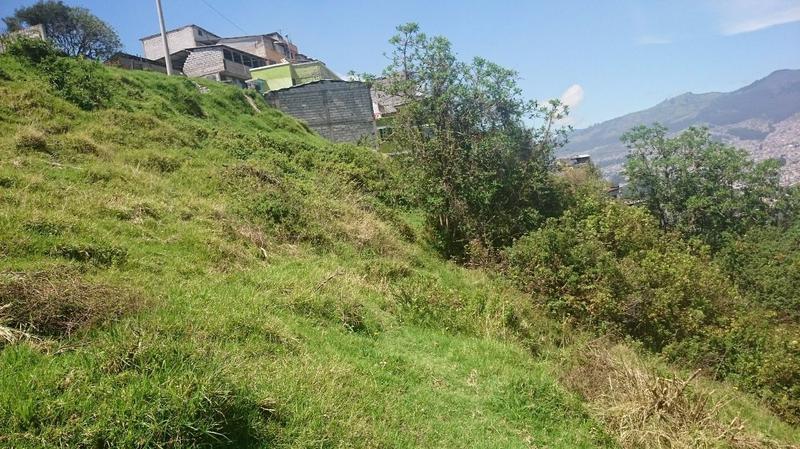 Foto Terreno en Venta en  Sur de Quito,  Quito  Terreno de venta en la Ferroviaria