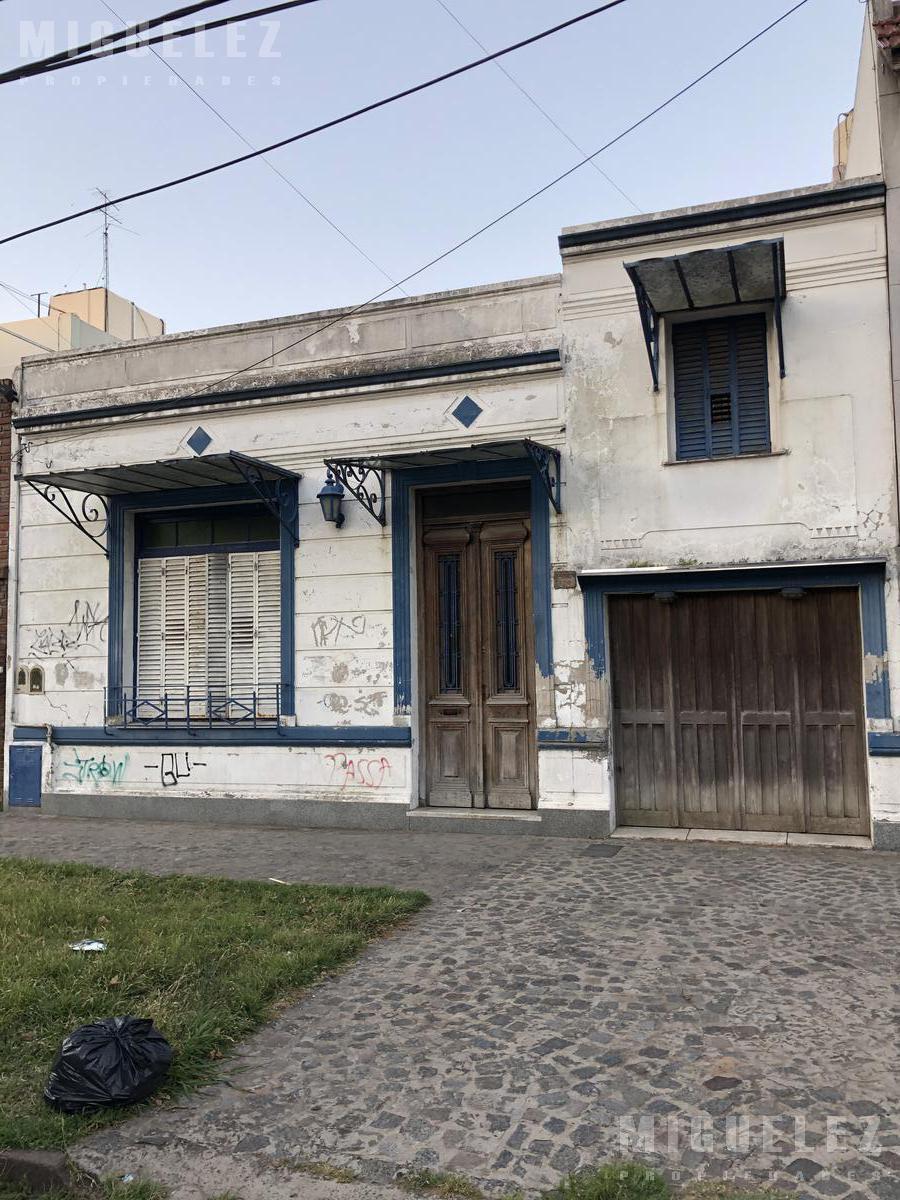 Foto Casa en Venta en  Banfield,  Lomas De Zamora  GASCON 180