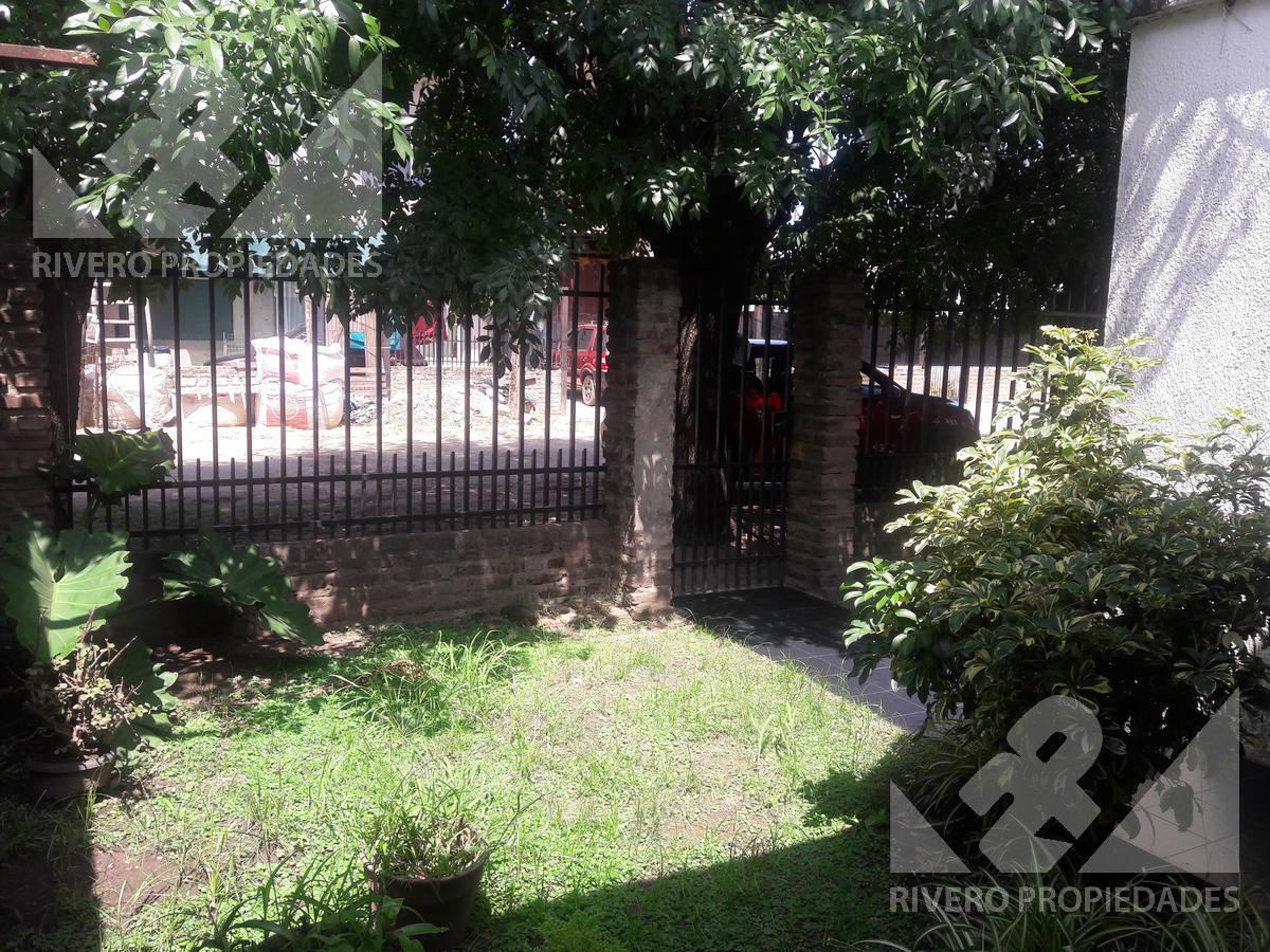 Foto Casa en Venta en  Villa Gobernador Udaondo,  Ituzaingo  Pasaje 24 de octubre al 4400