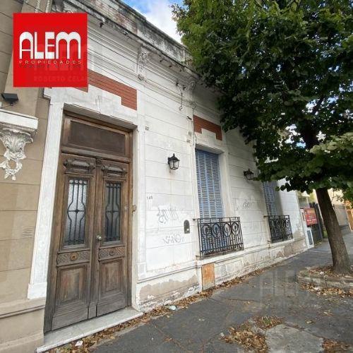 Foto Casa en Alquiler en  Lomas de Zamora Oeste,  Lomas De Zamora  Ramón Falcón 140