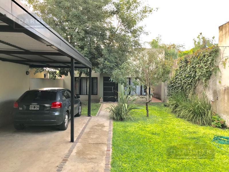 Foto Casa en Venta en  Adrogue,  Almirante Brown  RAMIREZ 2157