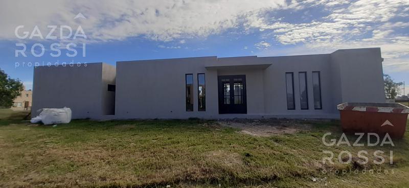 Foto Casa en Venta en  Country Santa Rita,  Countries/B.Cerrado (San Vicente)  Casa a estrenar en Barrio Santa Rita