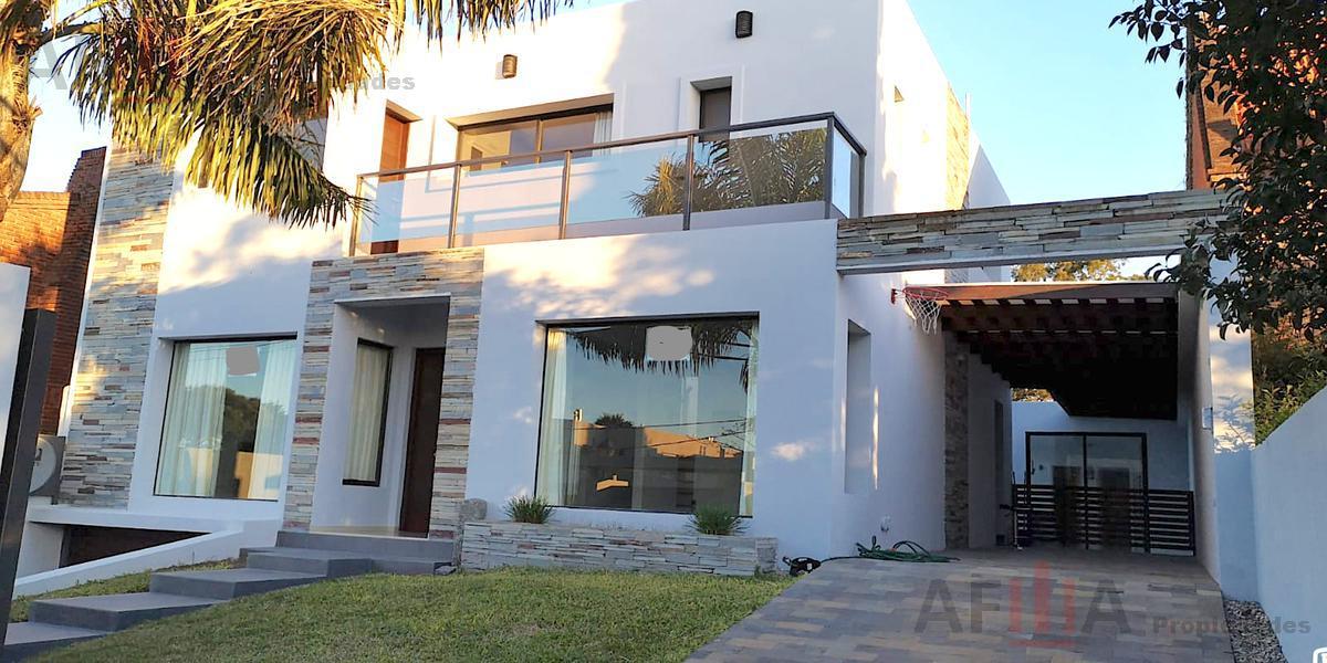 Foto Casa en Alquiler en  Carrasco ,  Montevideo  Biarritz al 7200
