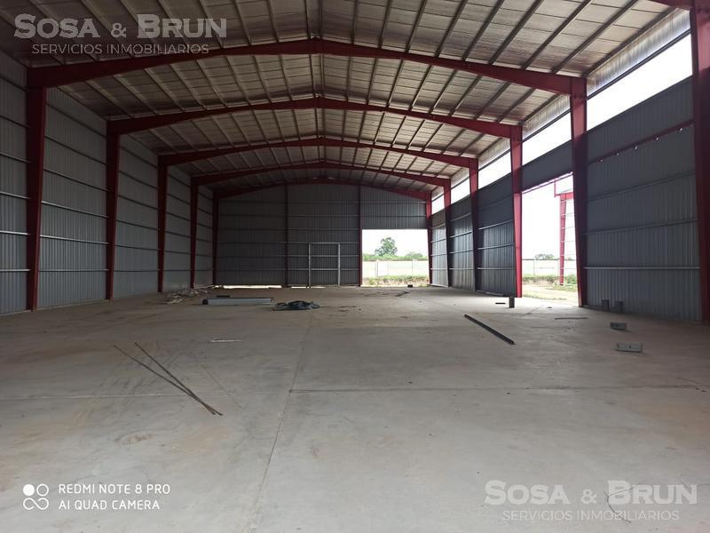 Foto Galpón en Alquiler en  San Vicente,  Cordoba Capital  Galpon en Polo 52