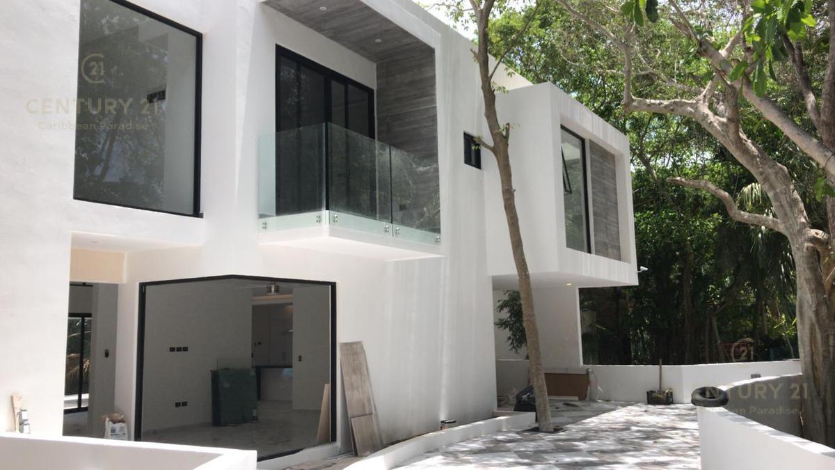 Foto Casa en Venta en  Fraccionamiento Playa Car Fase II,  Playa del Carmen          Increíble casa a estrenar en Playacar, Playa del Carmen P2905