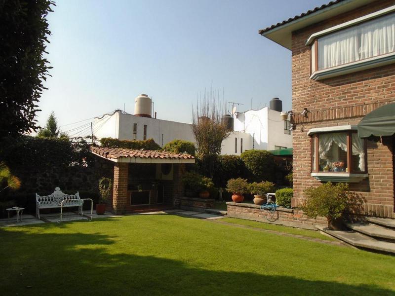 Foto Casa en Venta en  Los Alpes,  Alvaro Obregón  Casa en Venta en la CDMX. Venta de dos casas en un mismo terreno con amplisimo jardín! Medanos  180-180a