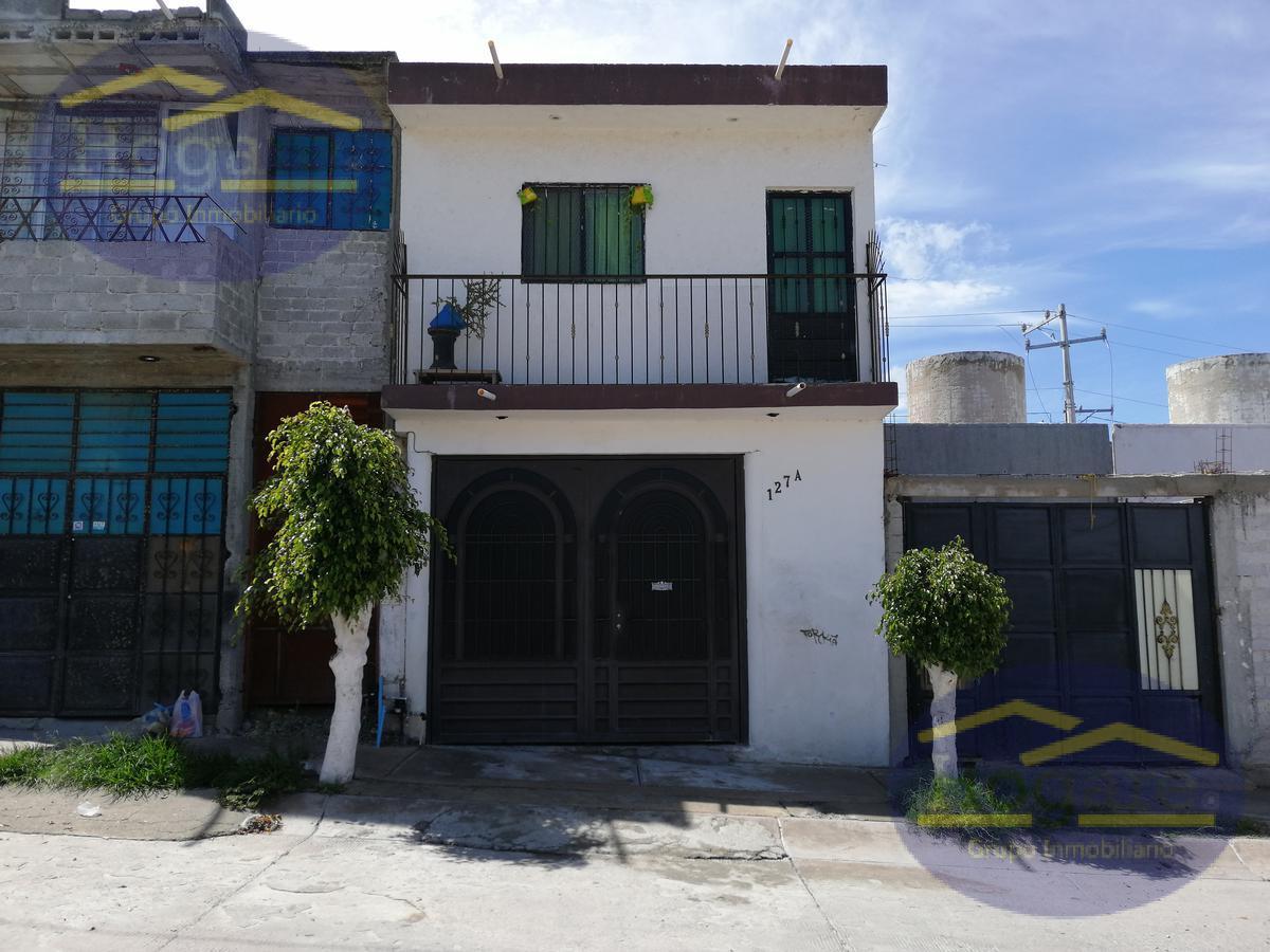 Casa en venta 3 recamarás y cochera cerrada El Observatorio León Gto.
