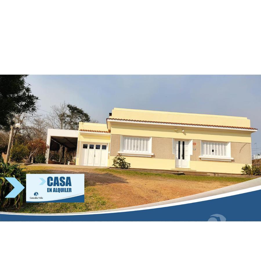 Foto Casa en Alquiler en  Carmelo ,  Colonia  Hermosa casa ubicada en Av. Rodó, cerca de la playa