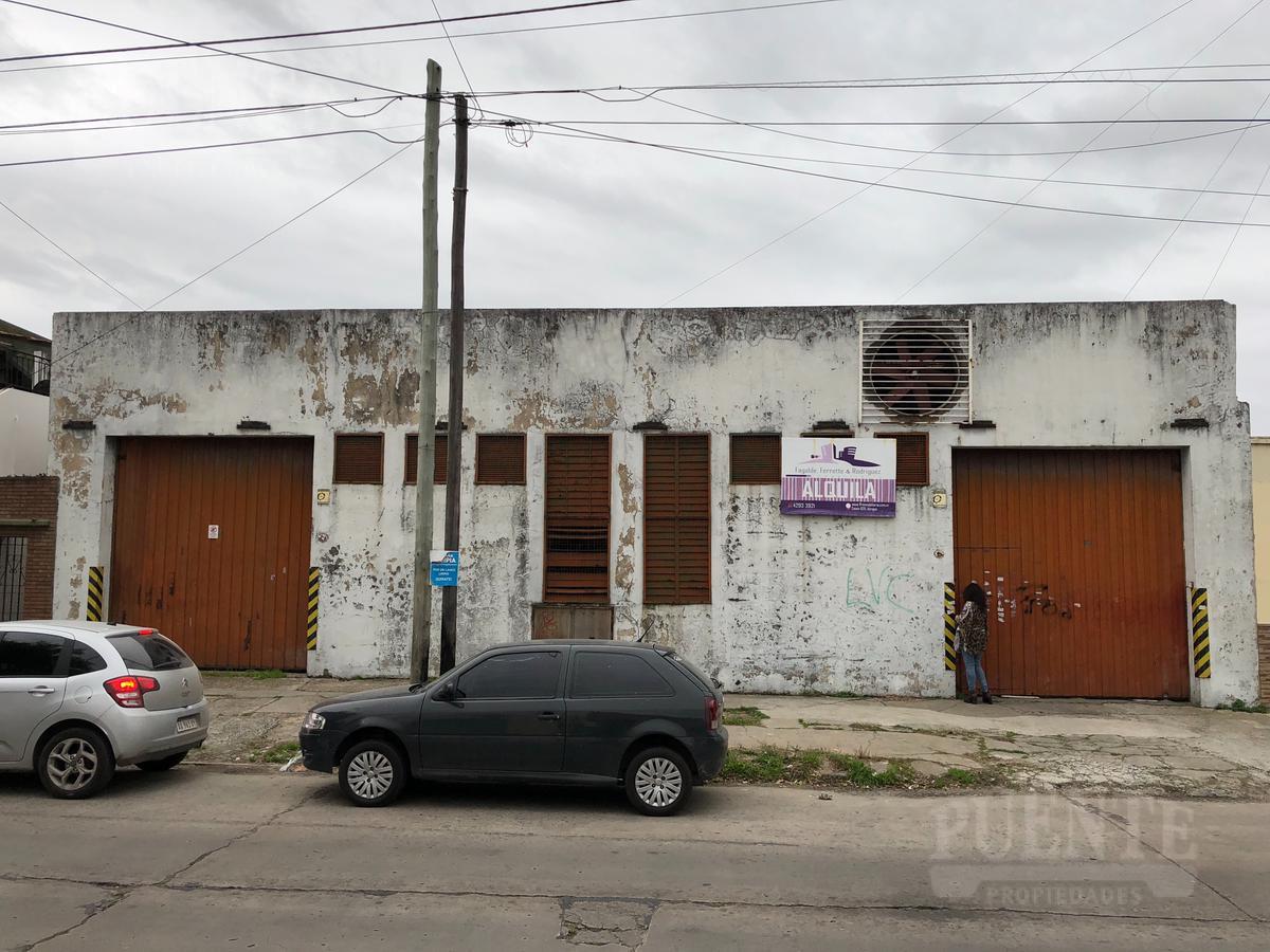 Foto Depósito en Venta en  Lanús,  Lanús  Santiago del Estero 1037