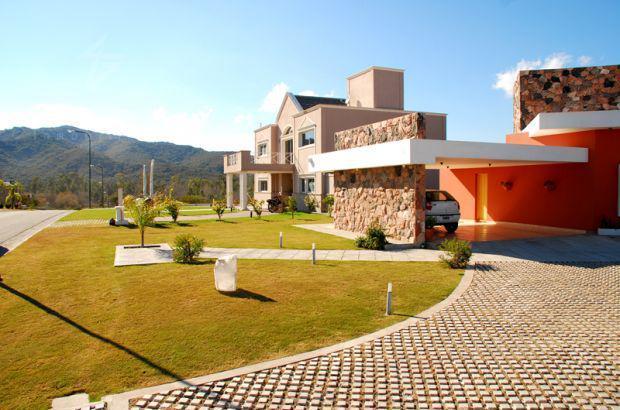 Foto Terreno en Venta en  Villa Carlos Paz,  Punilla  VENDO LOTE LA ARBOLADA HOLLYWOD 1ra  MANZANA