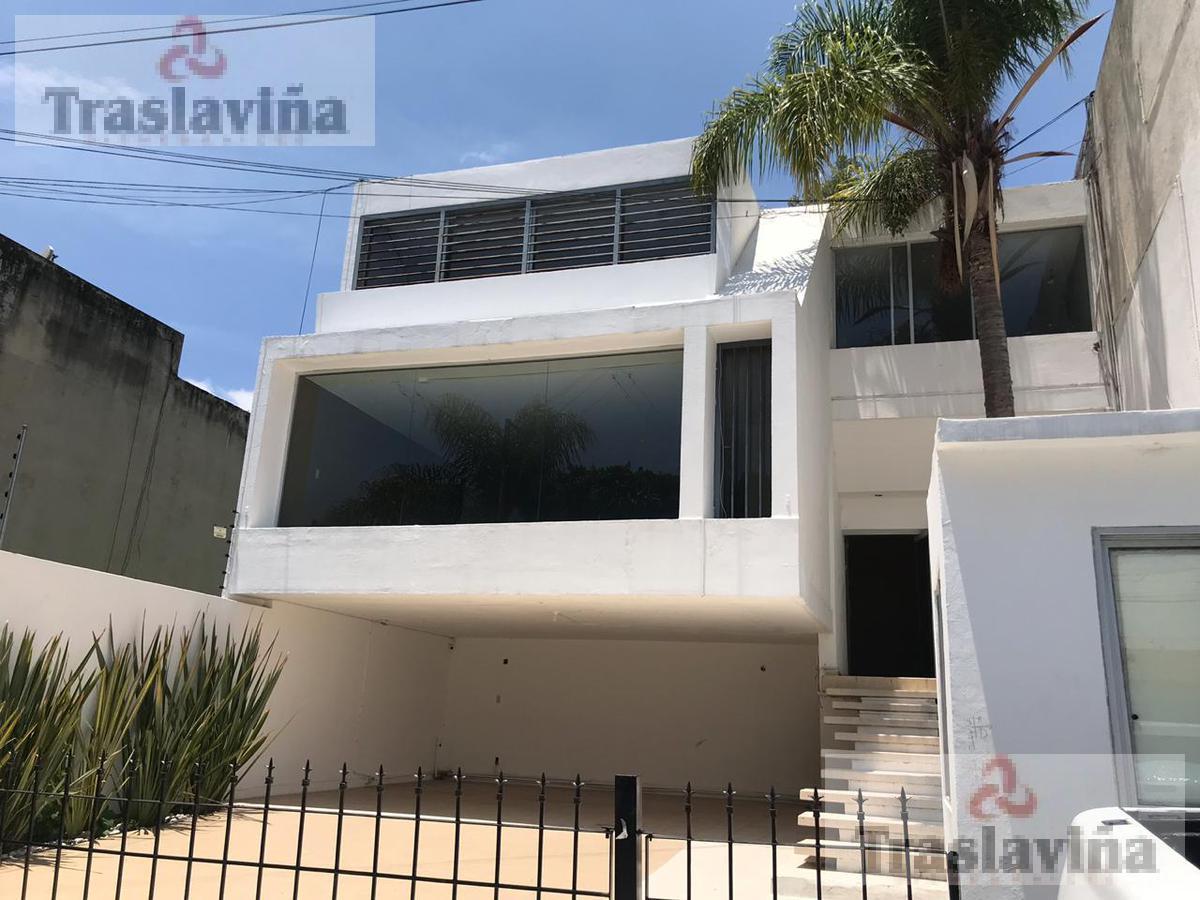 Foto Casa en Venta en  Fraccionamiento Jardines del Moral,  León  Av. Leon