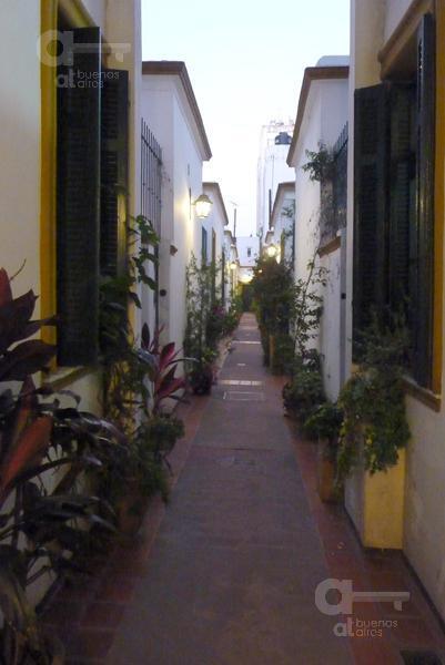 Foto PH en Alquiler temporario en  San Telmo ,  Capital Federal  Chacabuco al 800