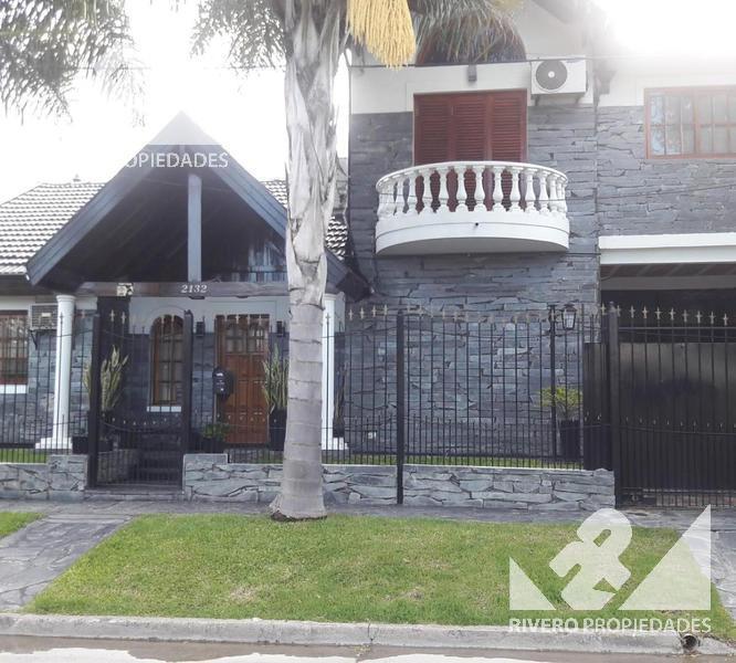 Foto Casa en Venta en  Castelar Norte,  Castelar  Arrecifes  2100