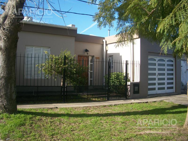 Foto Casa en Venta en  La Plata ,  G.B.A. Zona Sur  18 entre 75 y 76