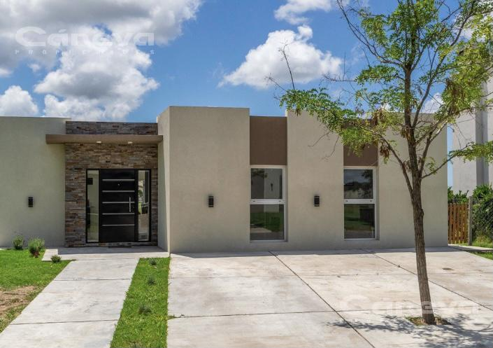 Foto Casa en Venta en  El Canton - Norte,  Countries/B.Cerrado (Escobar)  El Canton
