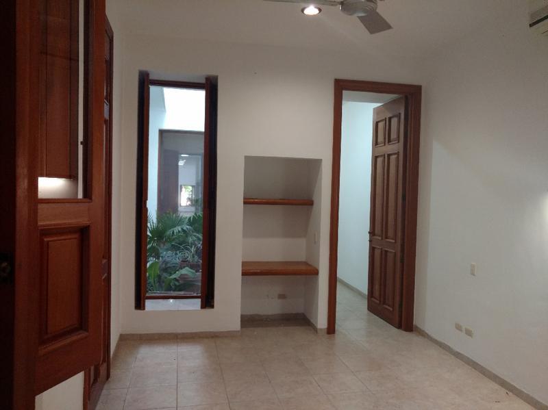 Foto Casa en condominio en Renta en  Club de Golf La Ceiba,  Mérida  Se Renta Casa de Estilo Neo Colonial sobre la Av. La Ceiba