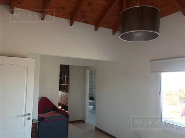 Casa en Venta ubicada en San Francisco -Tres habitaciones- Excelente orientación