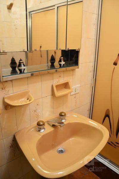 Foto Casa en Venta en  Liniers ,  Capital Federal  Bynon al 6700