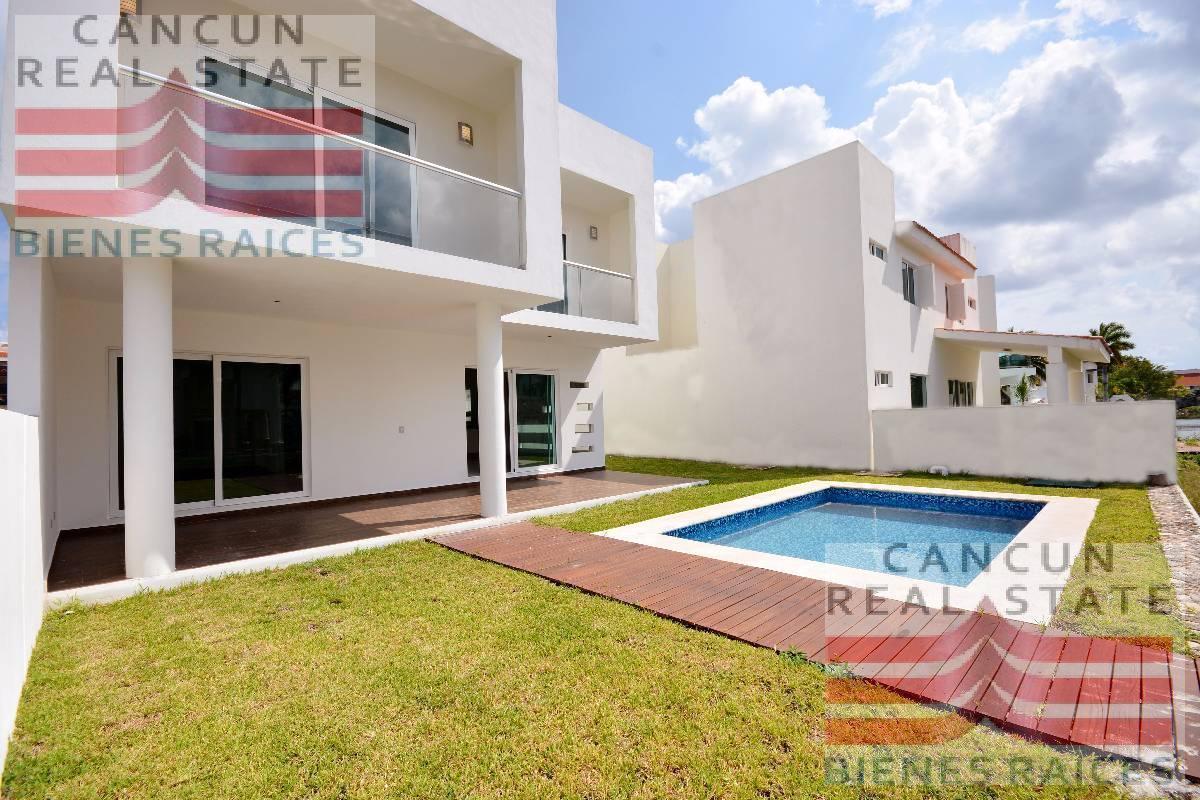 Foto Casa en Venta en  Isla Dorada,  Cancún  ISLA DORADA