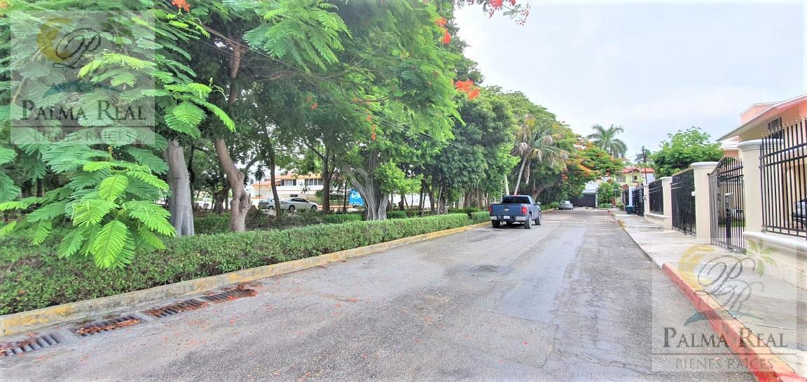 Foto Departamento en Venta en  Supermanzana 15,  Cancún  OPORTUNIDAD  APARTAMENTO PARA REMODELAR (A 3 MINUTOS DEL MAR )