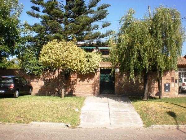 Foto Casa en Venta en  Tolosa,  La Plata  526 BIS Y 14