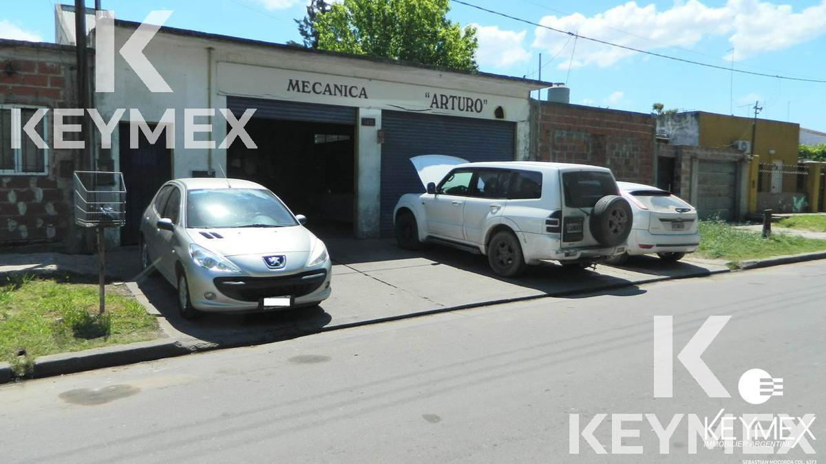 Foto Galpón en Venta en  La Plata ,  G.B.A. Zona Sur  74 137 y 138