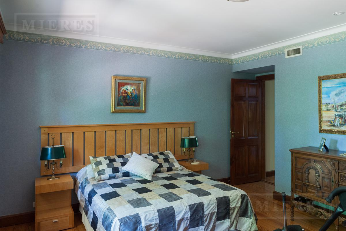 Impecable casa en Martínez, vías a Libertador