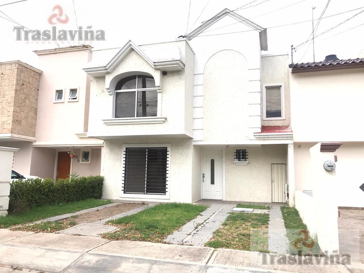 Foto Casa en Renta en  Lagos del Campestre,  León  Casa en renta por Plaza Mayor