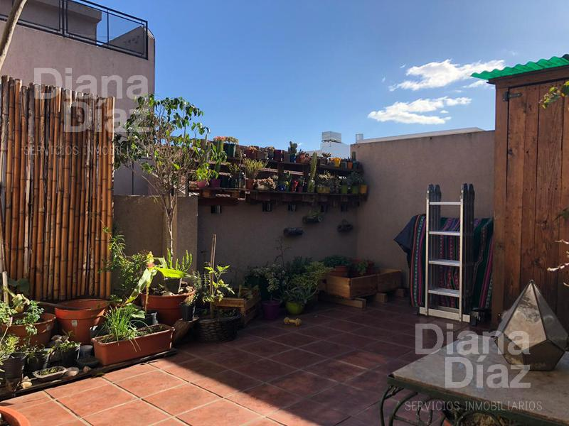 Foto PH en Venta |  en  Liniers ,  Capital Federal  Oliden al 800