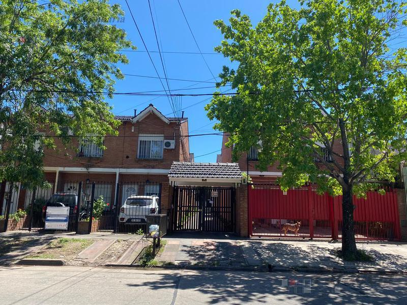 Foto Casa en Venta en  Moron Sur,  Moron  Santa Fe al 1000