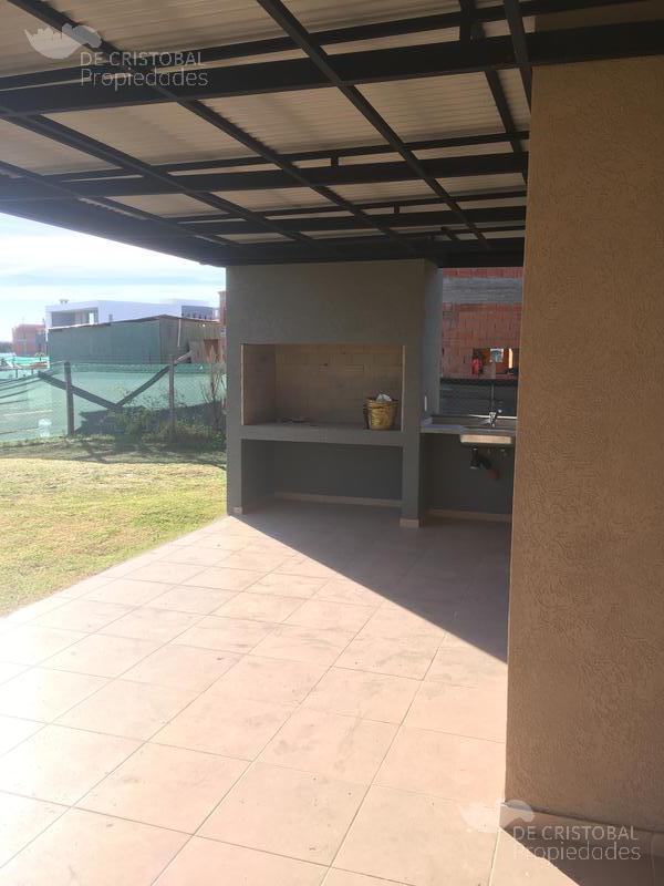 Foto Casa en Venta en  El Canton - Norte,  Countries/B.Cerrado (Escobar)  Cantón Norte a la laguna