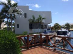 Alquiler de Casa 4 o mas recamaras en Cancún Puerto Cancún