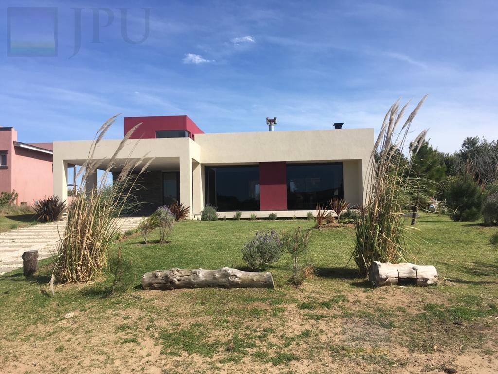 Foto Casa en Alquiler temporario en  Costa Esmeralda,  Punta Medanos  Deportiva  85
