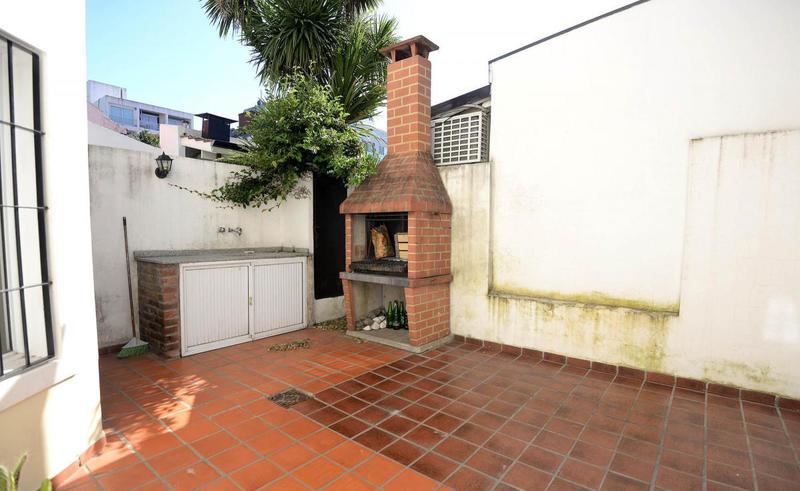 Foto Casa en Venta en  Bernal,  Quilmes  Patricios 100