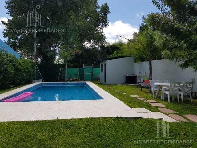 Foto Casa en Venta en  General Rodriguez ,  G.B.A. Zona Oeste  Sarabia al 300